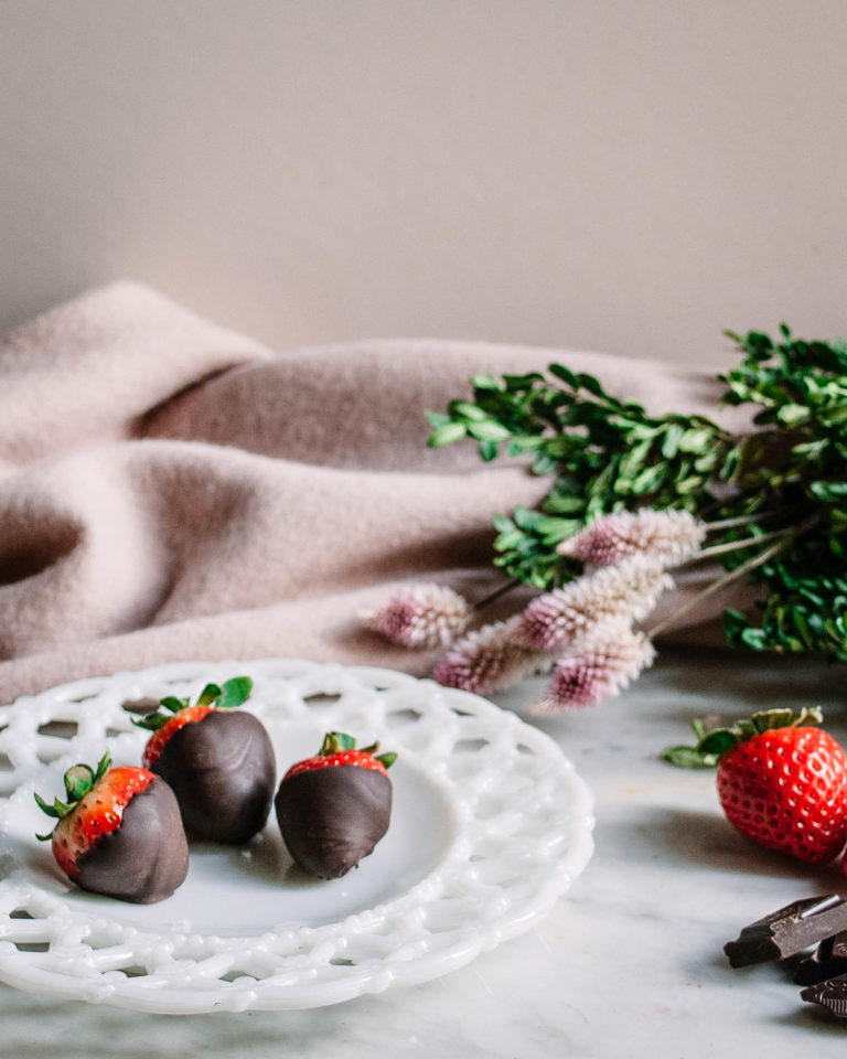Chocolate Dipped Oranges and Strawberries. Easy. Quick Valentine's Day ideas recipe gift